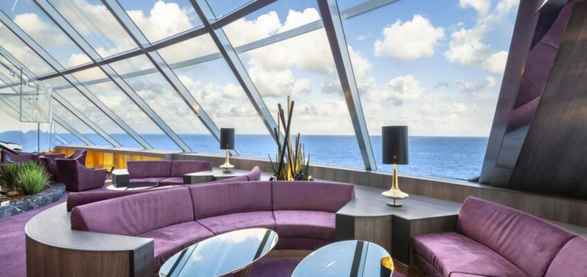 Foto: MSC Cruises  MSC Bellissima, MSC Yacht Club - Top Sail Lounge