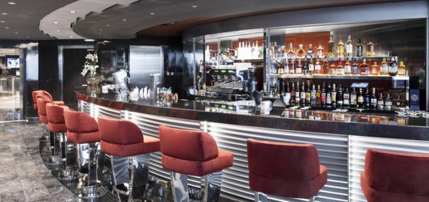 Foto: MSC Cruises  MSC Grandiosa, MSC Yacht Club - Top Sail Lounge