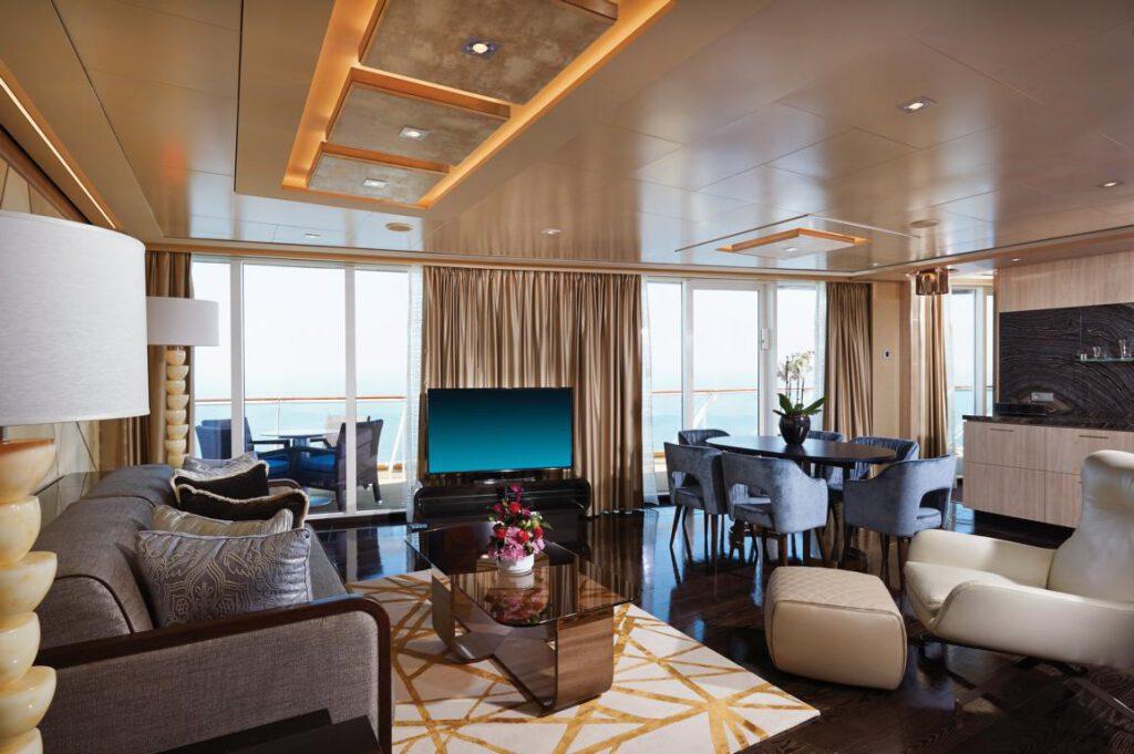 Norwegian Cruise Line The Haven - Bliss Haven Deluxe Owner's Suite_
